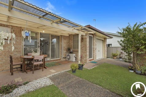 2/15 Pozieres Avenue, Umina Beach, 2257, Central Coast - Villa / SPACIOUS VILLA – COMPLEX OF 2 – NO STRATA – NORTH FACING / Courtyard / Fully Fenced / Outdoor Entertaining Area / Shed / Garage: 1 / Remote Garage / Secure Parking / Air Conditioning / Built-in Wardrobes / $595,000