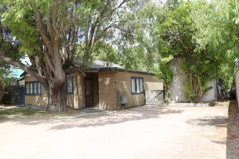 32 Dempster Street, Esperance, 6450, East - House / Town Central Investment / Garage: 1 / Toilets: 1 / $578,000