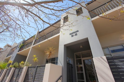 25/150 Stirling Street, Perth, 6000, Perth City - House / Park Views! / Garage: 1 / Living Areas: 1 / Toilets: 2 / $450,000