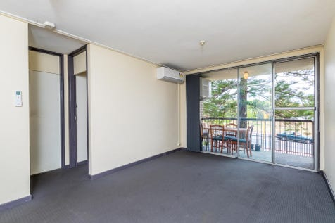 28/133 Lincoln Street, Highgate, 6003, Perth City - Unit / A great location at a market defying price. Simple. / Balcony / Carport: 1 / Air Conditioning / Toilets: 1 / $249,000