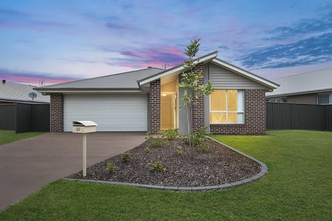 32 Rein Drive, Wadalba, 2259, Central Coast - House / Newly built in 2016 / Garage: 2 / $600,000