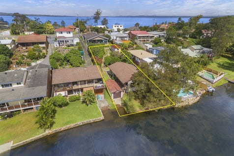 44A Main Road, Toukley, 2263, Central Coast - House / Absolute Waterfront Living / Garage: 1 / $650,000