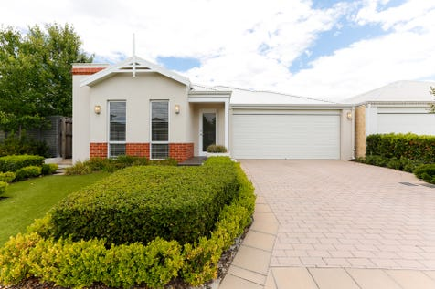 56 Jennapullin Crescent, Ellenbrook, 6069, North East Perth - House / One of the best streets in Ellenbrook ! / Garage: 2 / Secure Parking / Alarm System / $390,000