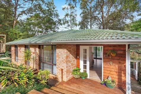 34 Pinetop Avenue, Narara, 2250, Central Coast - House / Solid character home in peaceful setting / Deck / Carport: 1 / Built-in Wardrobes / $639,000