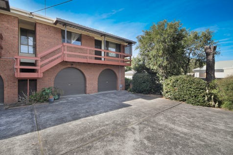 2/123 Kerry Crescent, Berkeley Vale, 2261, Central Coast - House / Selling with Craig & Blake! / Balcony / Garage: 2 / $418,000
