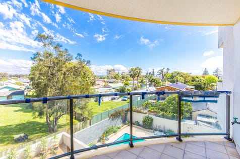 306/1-9 Torrens Avenue, The Entrance, 2261, Central Coast - Unit / Stones Throw to the Main Centre of The Entrance !! / Garage: 1 / Air Conditioning / Ensuite: 1 / $450,000