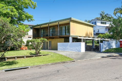 57 Hastings Road, Terrigal, 2260, Central Coast - House / SOLD AT THE FIRST OPEN HOUSE!!! / Balcony / Carport: 2 / Secure Parking / Air Conditioning / Toilets: 3 / $675,000