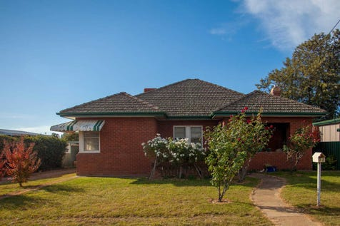 72 Whiteley Street, Wellington, 2820, Central Tablelands - House / YES! YES! YES! / Garage: 3 / $299,000