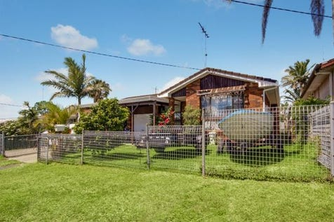 5  Gymea Crescent, Mannering Park, 2259, Central Coast - House / Family Home or Investment Opportunity / Fully Fenced / Garage: 2 / Air Conditioning / Dishwasher / $430,000