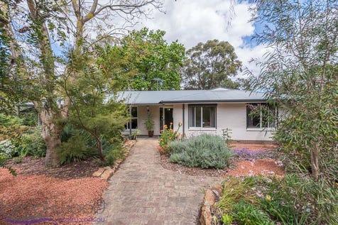 195 Hillcrest Road, Mundaring, 6073, North East Perth - House / BANDICOOT GARDEN / Carport: 5 / Toilets: 2 / $499,000
