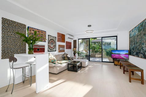 10/42-44 Old Barrenjoey Road, Avalon Beach, 2107, Northern Beaches - Apartment / Chic and Contemporary In The Heart of Avalon / Garage: 1 / P.O.A