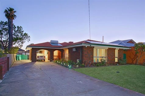 7 Dorking Place, Morley, 6062, North East Perth - House / One for the Family! - UNDER OFFER / Garage: 1 / Alarm System / $519,000