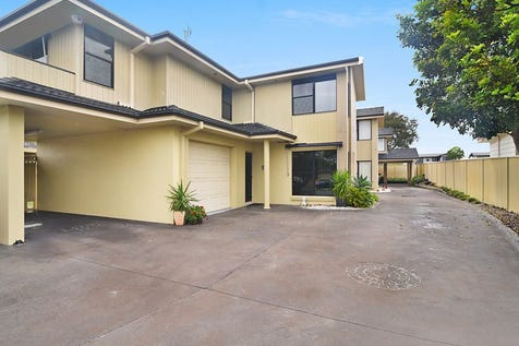 Unit 1/32 Fraser Road, Long Jetty, 2261, Central Coast - Townhouse / Beautifully Appointed Townhouse / Balcony / Courtyard / Carport: 1 / Garage: 1 / Remote Garage / Air Conditioning / Alarm System / Dishwasher / Split-system Air Conditioning / Split-system Heating / Ensuite: 1 / $640,000