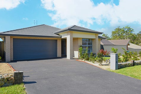 5 Frank Avenue, Wadalba, 2259, Central Coast - House / Modern Masterpiece in a Quiet Location / Balcony / Garage: 2 / Air Conditioning / $599,000