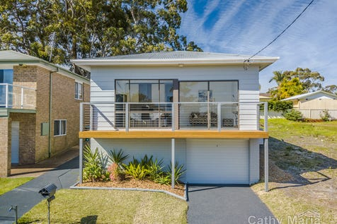 36 Kenilworth Street, Mannering Park, 2259, Central Coast - House / POSITION PERFECT - LAKE VIEWS / Balcony / Garage: 1 / Secure Parking / Floorboards / Toilets: 2 / $550,000