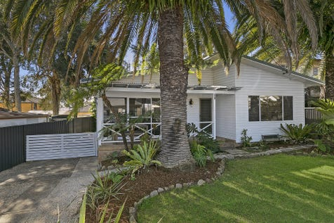 2 Fourth Avenue, Toukley, 2263, Central Coast - House / Immaculate 2 Bedroom Home Set In The Avenues / Shed / $450,000