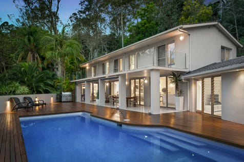 139 Hudson Parade, Clareville, 2107, Northern Beaches - House / Lion île vue (Lion Island view)  Stunning home for family and friends / Balcony / Swimming Pool - Inground / Garage: 2 / Secure Parking / Air Conditioning / Toilets: 4 / P.O.A
