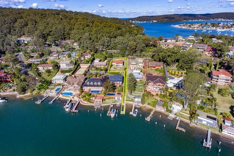 34 Daley Avenue, Daleys Point, 2257, Central Coast - House / Large Family Home with Water Views & Jetty / Balcony / Garage: 2 / Toilets: 3 / $1,250,000