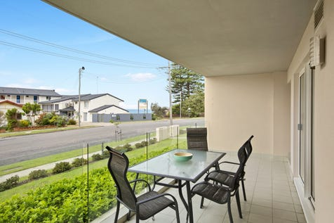 2/101-103 Ocean Parade, The Entrance, 2261, Central Coast - Apartment / Live every day like a holiday / Garage: 1 / $640,000