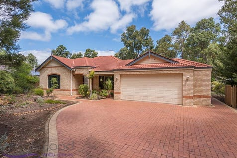 37 Clipson Crescent, Mundaring, 6073, North East Perth - House / SUPERSIZE ME / Courtyard / Fully Fenced / Outdoor Entertaining Area / Swimming Pool - Above Ground / Garage: 2 / Secure Parking / Toilets: 2 / $619,000