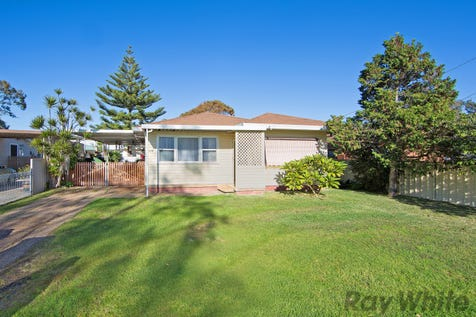 88 Scenic Drive, Budgewoi, 2262, Central Coast - House / The Heart of Town / Carport: 2 / Toilets: 2 / $419,000
