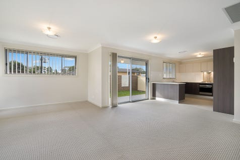 1/176 Bourke Road, Umina Beach, 2257, Central Coast - Villa / Modern Villa, Great Central Location! / Garage: 2 / $690,000