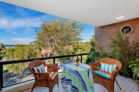 8/32 Seaview Avenue, Newport, 2106, Northern Beaches - Unit / OCEAN VIEWS / Balcony / Outdoor Entertaining Area / Carport: 1 / Secure Parking / Built-in Wardrobes / Gas Heating / Intercom / $1,000,000