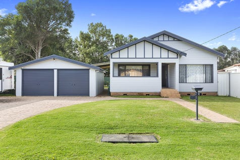 24 Boyce Ave, Wyong, 2259, Central Coast - House / Delightful Family Home / Garage: 2 / $579,500
