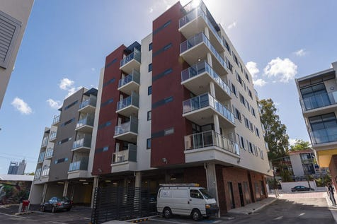 33/378 Beaufort Street, Perth, 6000, Perth City - Apartment / INNER PERTH WITH CITY VIEWS! Stunning 2x2 offers premium city living!  / Balcony / Carport: 1 / Secure Parking / Air Conditioning / Broadband Internet Available / Built-in Wardrobes / Intercom / Pay TV Access / Reverse-cycle Air Conditioning / Ensuite: 1 / $628,950