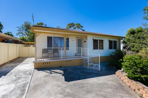 183 Stanley Street, Kanwal, 2259, Central Coast - House / FIRST HOME BUYERS DELIGHT / Carport: 1 / Garage: 1 / Air Conditioning / Toilets: 1 / $400,000