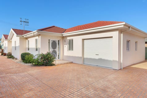 1/3 Karooah Avenue, Blue Bay, 2261, Central Coast - Villa / Light filled free standing villa in prime location / Garage: 2 / Air Conditioning / Built-in Wardrobes / Dishwasher / Gas Heating / $785,000