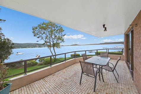 9/1 Wharf Street, East Gosford, 2250, Central Coast - Unit / Absolute Waterfront Unit with Panoramic Views / Garage: 1 / $690,000