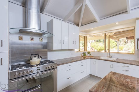 140 Bernard Street, Mount Helena, 6082, North East Perth - House / HIDDEN SURPRISE / Fully Fenced / Shed / Carport: 2 / Air Conditioning / Dishwasher / Evaporative Cooling / Workshop / Ensuite: 1 / Toilets: 3 / $699,000
