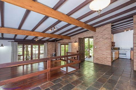 10 Parakeet Close, Mount Helena, 6082, North East Perth - House / HIDDEN NEST / Carport: 2 / Toilets: 2 / $499,000