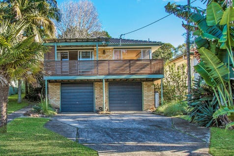 14 Collard Road, Point Clare, 2250, Central Coast - House / EASY LIVING / Garage: 2 / $750,000