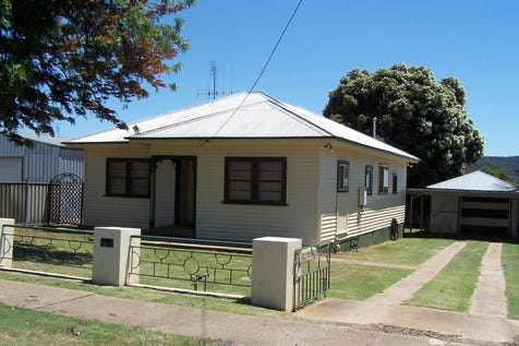 137 Simpson Street, Wellington, 2820, Central Tablelands - House / ARE YOU A BUDDING YOUNG FAMILY? 2372 / Carport: 2 / Garage: 1 / $159,000