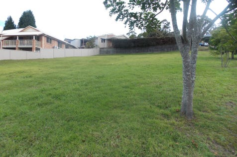 1 Hillgrove Close, Ourimbah, 2258, Central Coast - Residential Land / QUALITY BUILDING BLOCK / $459,000