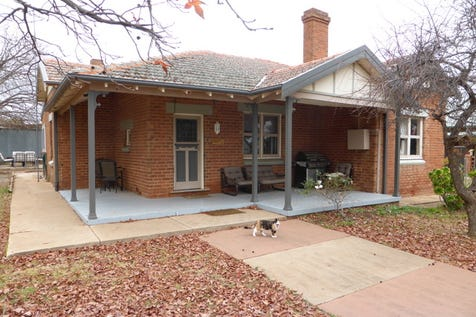 5 Cooke Street, Parkes, 2870, Central Tablelands - House / Corner Block Only A Few Minutes To The CBD / Garage: 1 / Toilets: 1 / $218,000