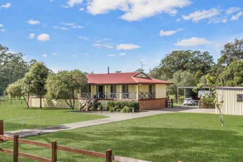 126 Pacific Highway, Kangy Angy, 2258, Central Coast - Lifestyle / Perfect Location / Deck / Fully Fenced / Outdoor Entertaining Area / Shed / Swimming Pool - Inground / Carport: 2 / Garage: 2 / Air Conditioning / Alarm System / Ensuite: 1 / $1,550,000