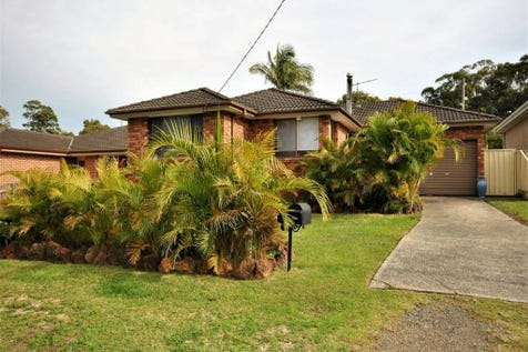 1A Warwick Avenue, Mannering Park, 2259, Central Coast - House / GET READY FOR SUMMER / Garage: 1 / Open Fireplace / $569,950