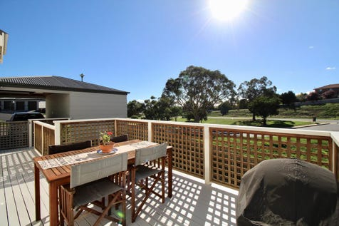 2 Ribbon Gum Place, Windradyne, 2795, Central Tablelands - House / Picture Perfect / Courtyard / Deck / Carport: 1 / Garage: 1 / Remote Garage / Air Conditioning / Built-in Wardrobes / $289,000