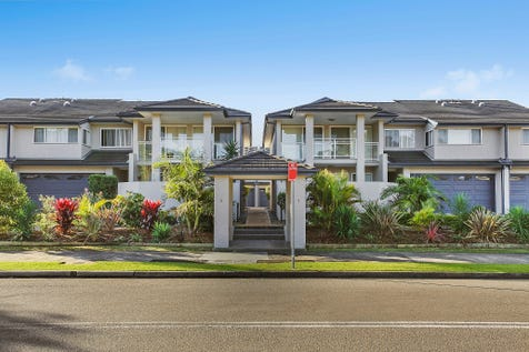 9/7-11 Rickard Road, Empire Bay, 2257, Central Coast - House / TASTEFULLY PRESENTED, KEPT WITH NEUTRAL COLOURS. / Balcony / Garage: 2 / Secure Parking / Air Conditioning / Toilets: 3 / $560,000