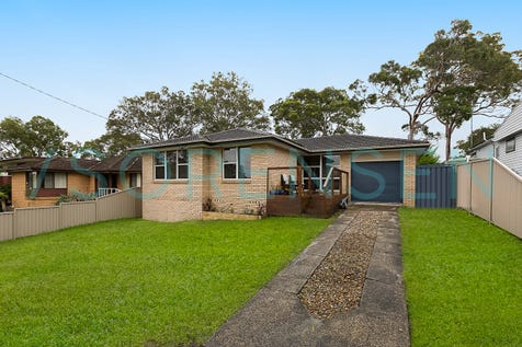 15 Parkside Drive, Charmhaven, 2263, Central Coast - House / FAMILY FRIENDLY / Garage: 1 / Secure Parking / Air Conditioning / P.O.A
