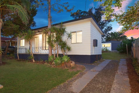 14 Cornish Avenue, Killarney Vale, 2261, Central Coast - House / Modern renovated kitchen with stainless steel appliances / Carport: 2 / P.O.A