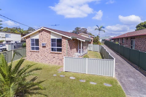 1/30 Ulooloo Road, Gwandalan, 2259, Central Coast - Villa / Low maintenance living in convenient location / Courtyard / Fully Fenced / Garage: 1 / Air Conditioning / Reverse-cycle Air Conditioning / Split-system Air Conditioning / Toilets: 2 / P.O.A