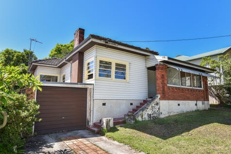 413 Mann Street, North Gosford, 2250, Central Coast - House / Oldie But A Goodie / Garage: 1 / Secure Parking / Toilets: 1 / $480,000