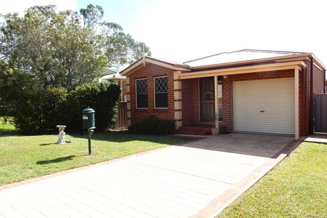 16 Winchester Drive, Lake Munmorah, 2259, Central Coast - House / IMMACULATE LOW MAINTENANCE HOME / Balcony / Garage: 1 / Secure Parking / Air Conditioning / Toilets: 1 / $420,000