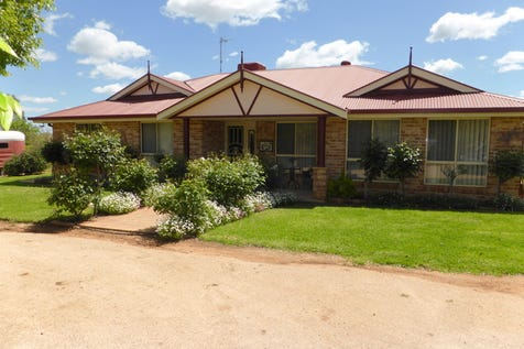 68-72 Thomas Street, Parkes, 2870, Central Tablelands - House / You'll Just Love Living Here / Garage: 3 / Toilets: 3 / $595,000
