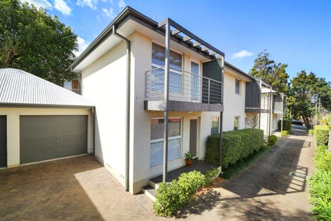 3/20 Wells Street, East Gosford, 2250, Central Coast - Townhouse / Meticulously Maintained & Centrally Located / Balcony / Garage: 1 / Secure Parking / Air Conditioning / Floorboards / Toilets: 2 / $545,000