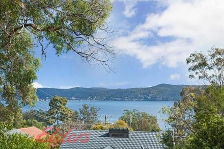 6 Greenslope Drive, Green Point, 2251, Central Coast - House / Beautiful Water View....... / Balcony / Garage: 2 / Secure Parking / Air Conditioning / $679,000